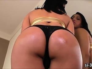 Super femme TS Geovanna Oliveira deeply fucks studs ass