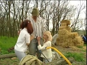 Slutty Teens Elizabeth And Kelly White Have An Anal Threesome Outdoors