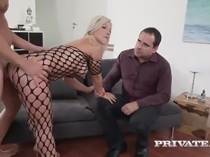 Milf Nikyta Enjoys Hard Anal While Her Husband Watches