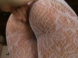 Fuck starving blond mom in sexy stockings shows off her asshole