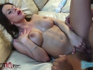Sensual girl Rachel Roxxx reveals her hot curves and fucks a big dick