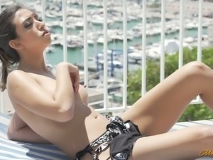 Fucking hot chick in sexy panties Frida Sante gives her head and fucks like...