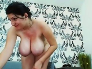 huge   monster         tits and nice pussy