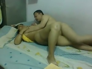 Chubby man eats his sexy housewife and puts his dick on her face