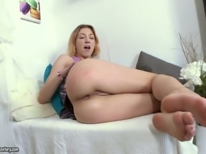 This nasty coed does not lack experience when it comes to sex