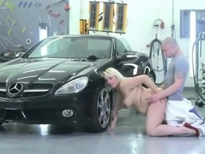hot fat blonde girl getting a good pounding