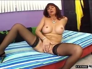 Sexy mature bitch enjoys riding on top of a throbbing dick