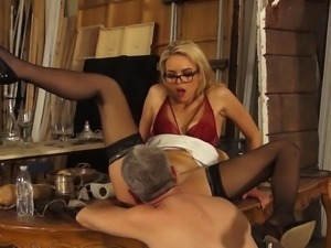 Nerdy Keira tastes the mature schlong that she fantasized about