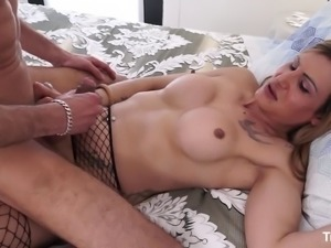 Shemale cougar is glad to impale that mature geezer on her big dick