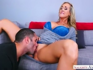 Yummy big breasted MILF Brandi Love likes having nasty oral sex with her...