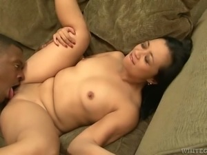 Zealous Asian MILF Lucky Starr gets her kitty nailed with BBC in mish position