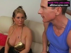 Boobalicious Caucasian mom shows off her assets in steamy porn clip