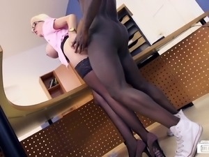 Teacher knows how to please a long black dong with her juicy muff