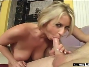 Blonde with hot ass licking balls then throbbed doggystyle