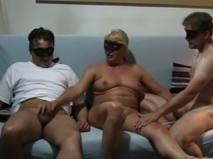 Masked too tanned whorable blonde housewife wanted to work on tools