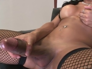 Curvy shemale with nice tits in sexy lingerie jerks off