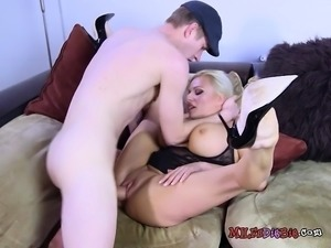Chesty Cougar Michelle Thorne Gets Pussy Plowed Hard