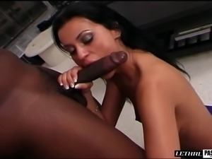 Cheerleader hairy pussy drifted hardcore with big black cock