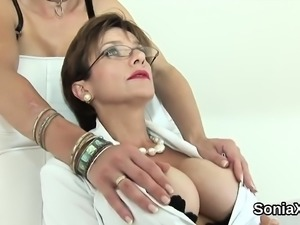Unfaithful english mature lady sonia pops out her massive kn