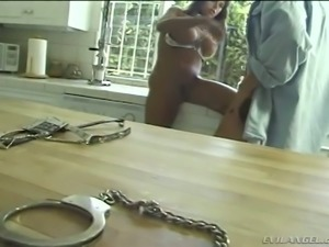 Slutty Brazilian housewife Jewel De Nyle meets her man with solid blowjob