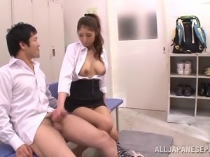 Japanese beauty with a ponytail gags on a hard prick