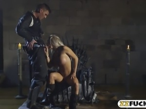 Massive boobs blonde pornstar slammed by hard man meat