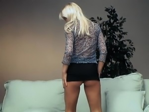 YOU DO SOMETHING TO ME - sensual blonde striptease dance