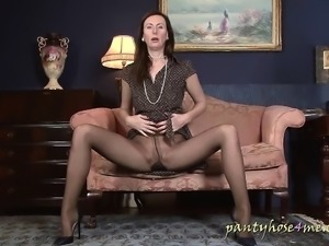 Housewife at her leisure by Pantyhose4me