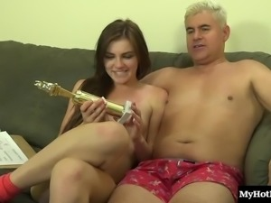 Buzzing toy makes a chick's clit pulsate during a nice fuck