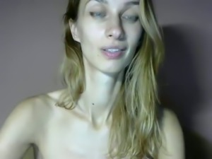 Skinny hoe showing her tits and shaved pussy in amateur clip