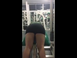 Mi amiga Angi en el Gym