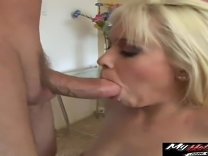 Kissy Kapris ass gets a pounding