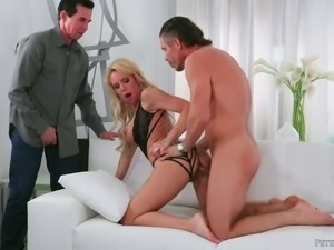 Stunning Nadia North has a great time with big dicks