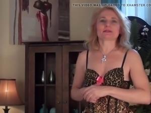 Italian mature teacher masturbates