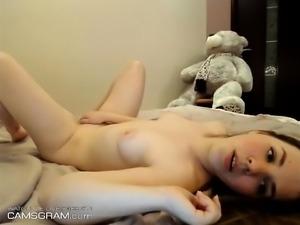 Lustful Teen Enjoys Her Webcam Show