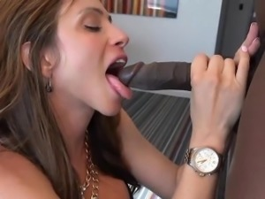 XY hubby films hotwife on hotel bed with bbc
