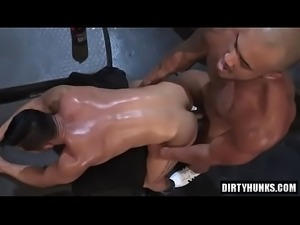 Muscle bear anal sex and facial cum