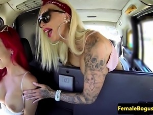 Female british cabbie pussylicks on backseat