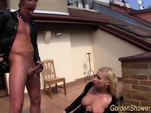 Kinky whores cunt pissing