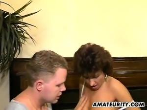 Amateur Gets Her Jizzed