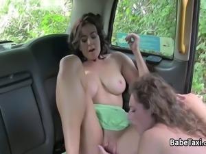 Big tits milf fucks lesbian taxi driver