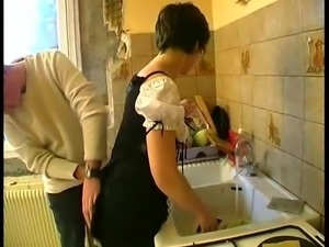 AMATEUR MATURE SMALL TITS MAID GROUP SEX
