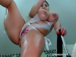 Beauty Huge Boobs Bbw Masturbates To Squirting Orgasm