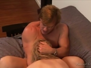 Alluring blonde secretary receives cunnilingus from her boss