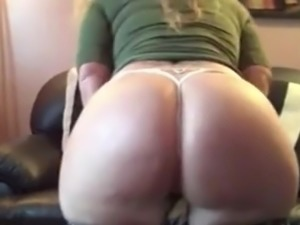 Big butt worhshipping Strawberry Vixxxen-part1