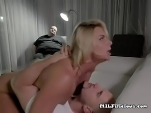 Hot Cougar Phoenix Marie Rides Massive Cock Of Lover