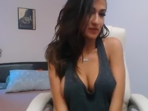 Hot Latina Cam Model