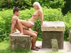 DaringSex.com Outdoor sensual love making