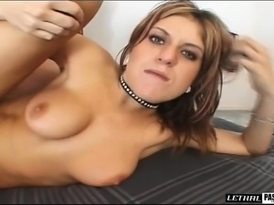 Horny blonde bitch spreads wide to take his prick up her ass