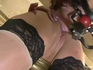 busty bitch mercilessly lashes her sex slave